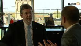 Embedded thumbnail for In gesprek met burgemeester Van Schelven - 8 april 2011