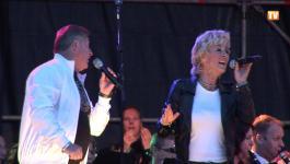 Embedded thumbnail for Culemborg Bijvoorbeeld 2013 - Optreden Jan Keizer & Anny Schilder (m.m.v. Pieter Aafjes)