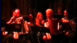 Embedded thumbnail for Hans Piek speelt accordeon in bejaardenhuis 1999